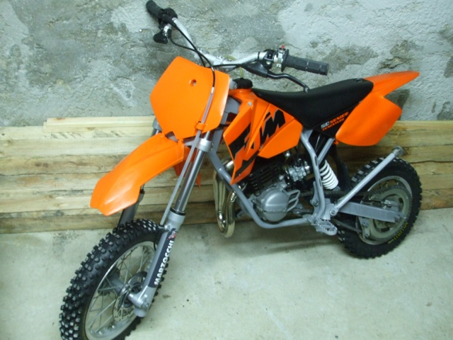 vends 50 ktm sx s nior adventure avec les photos incluses vendue. Black Bedroom Furniture Sets. Home Design Ideas