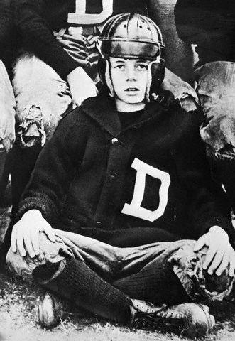JFK dans son équipe de foot américain (1927)