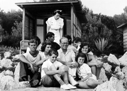 La famille Kennedy en vacances sur la Côte  d'Azur (08.1938)