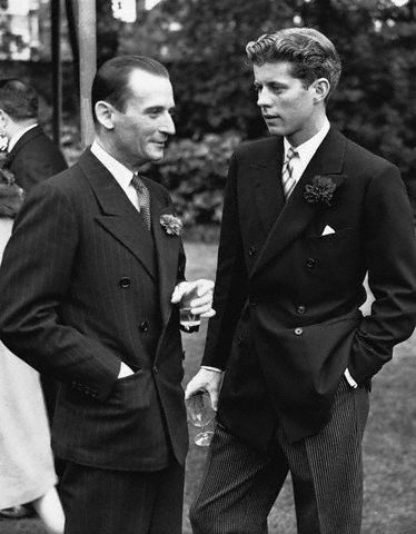 JFK lors de la fête nationale des Etats-Unis à  Londres (04.07.1939)