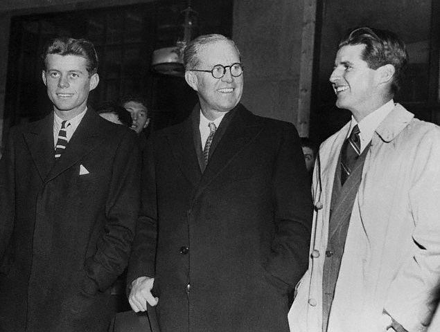 JFK et Joe Jr retrouvent leur père (10.12.1939)