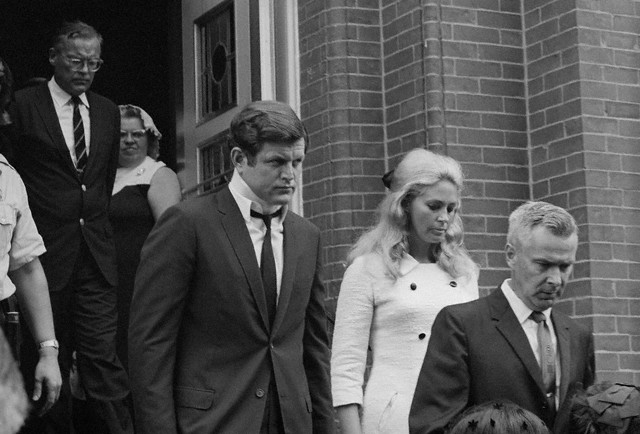 Edward (Ted) Fitzgerald Kennedy aux funérailles de Mary Jo Kopechne (22.07.1969)