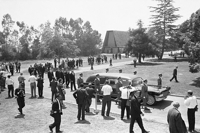 Le jour des funérailles (08.08.1962)
