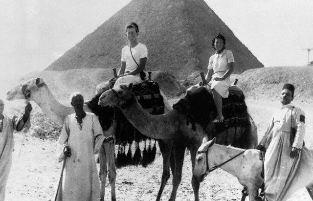 JFK à dos de châmeau en Egypte (05.1939)