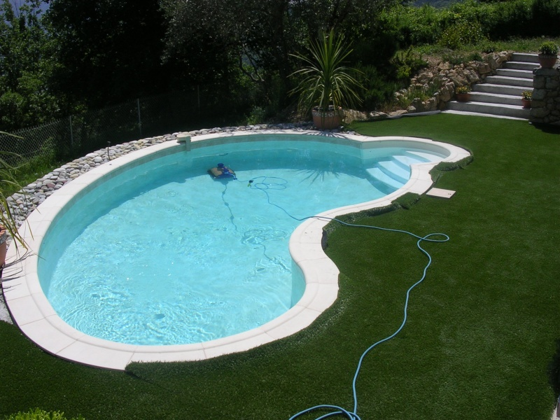 Gazon synth tique le top for Liner piscine 4m60 sur 1m20