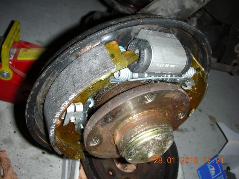 Fiat punto ii an 2000 remplacement frein arr a tambour tuto - Comment se couper le frein du gland ...