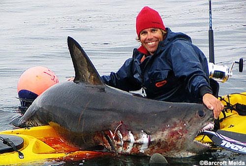 видео ловля акулы