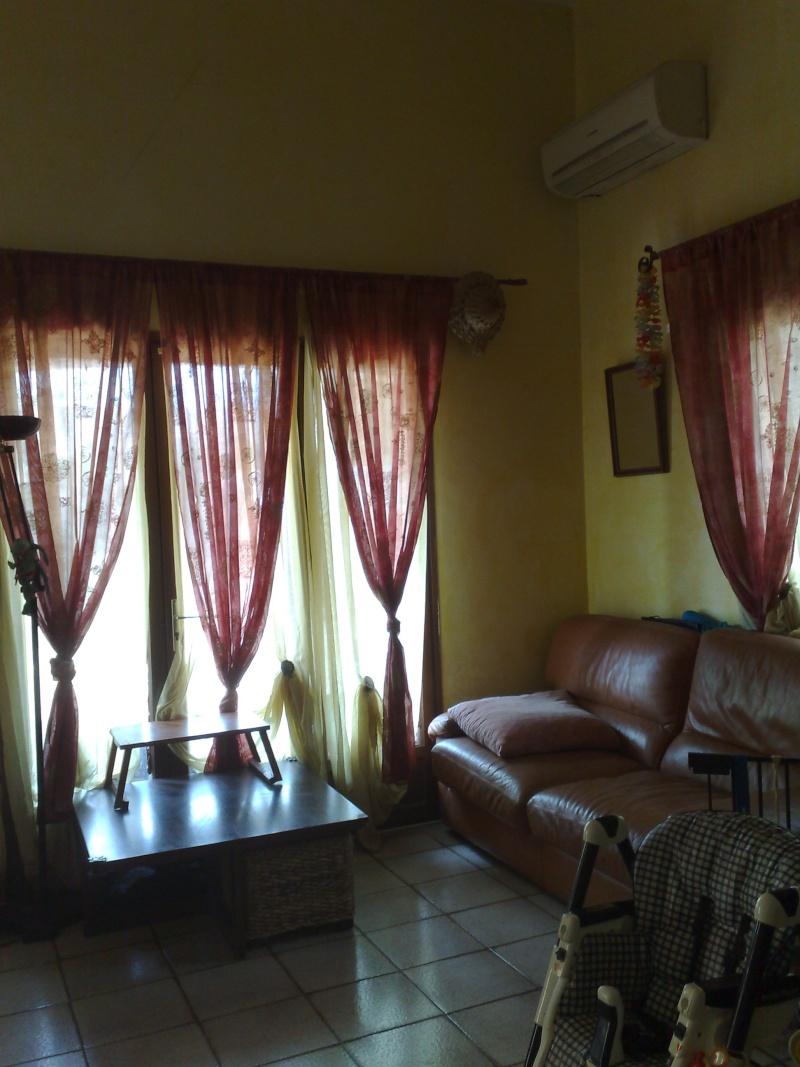 demande de conseil pour repeindre un salon avec grande hauteur sous plafond. Black Bedroom Furniture Sets. Home Design Ideas