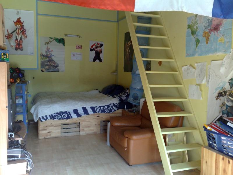 demande de conseil pour d corer une chambre rouge et noire a page 1. Black Bedroom Furniture Sets. Home Design Ideas