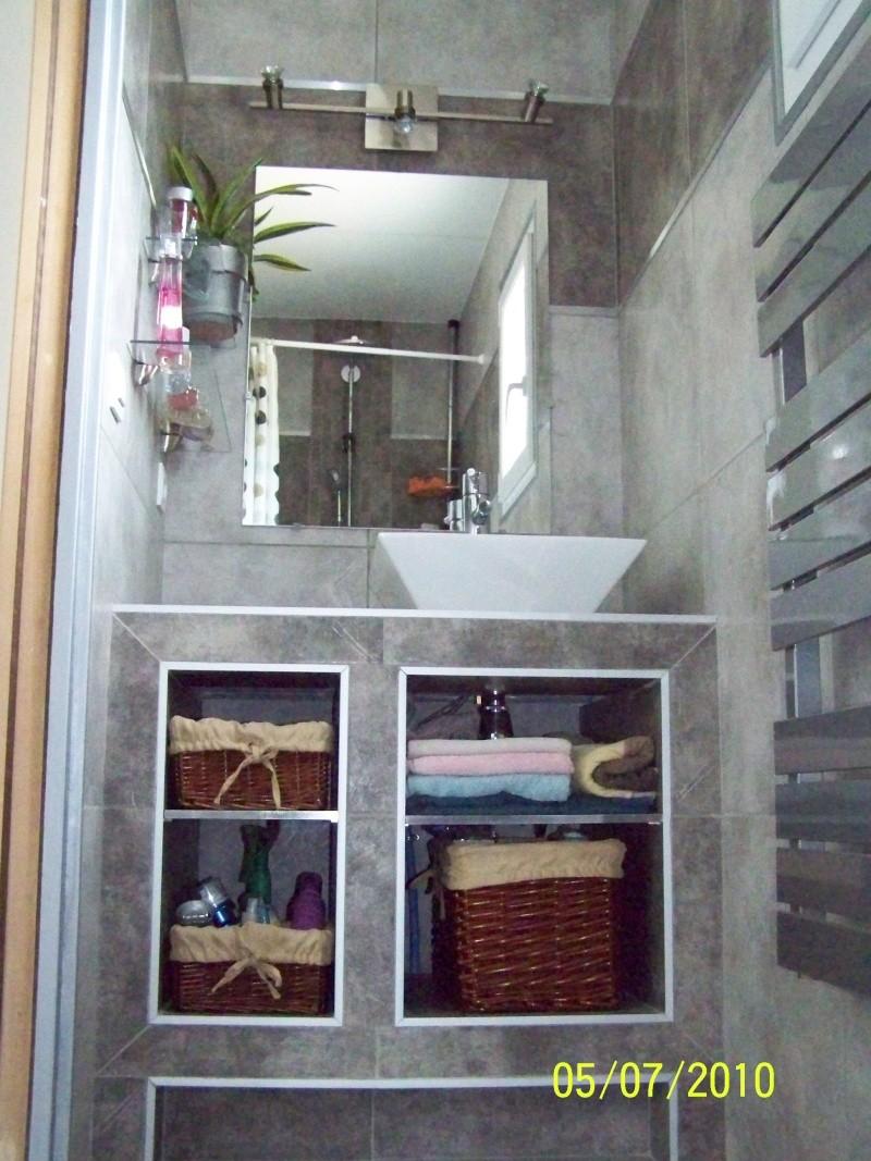 petite salle d 39 eau attenante une chambre rez de chauss e. Black Bedroom Furniture Sets. Home Design Ideas